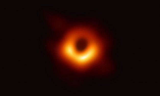 La primera 'foto' de un agujero negro es el avance científico del año