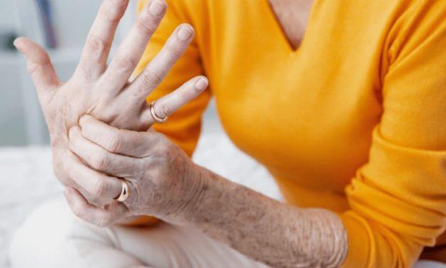Artrosis y menopausia: cómo aliviar el dolor de las articulaciones
